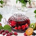 Фруктовый чай       Фруктовые и ягодные чаи производятся из натуральных плодов. Чаще всего они обладают природной кислинкой или сладостью, но никогда не бывают приторными.      Фруктовые чаи богаты витаминами и не содержат кофеина, что ...