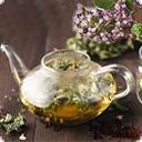 С травами чай С древних времен наши предки собирали целебные травы, смешивали их и готовили лечебные напитки и настойки, их давали пить старикам и маленьким детям, для того, чтобы вернуть и обрести здоровье, спокойный сон и крепкие нервы. Что бы полезное действие травяных смесей сочеталось с приятным вкусом ...